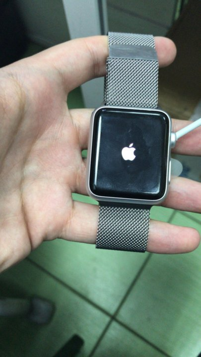 Apple Watch 42mm with Milanese Loop - ценa, где купить в Магадане