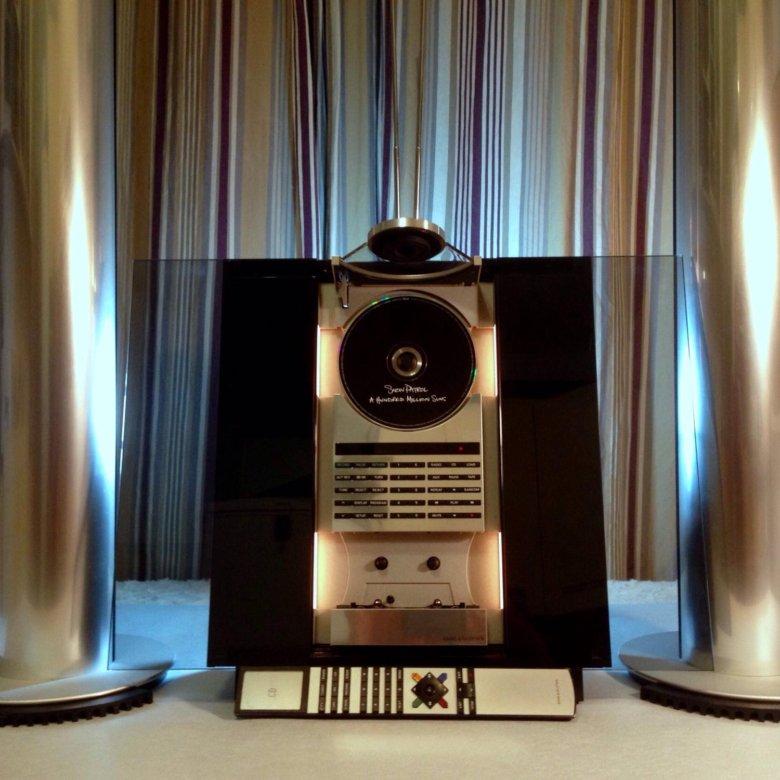 Bang & Olufsen BeoSound Shape Speaker в фирменном магазине Bang & Olufsen — настенная акустическая система
