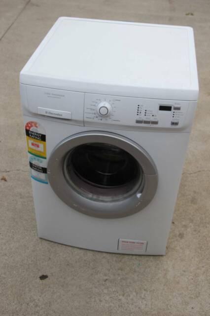 Компактная фронтальная стиральная машина | EWM1042NDU | Electrolux